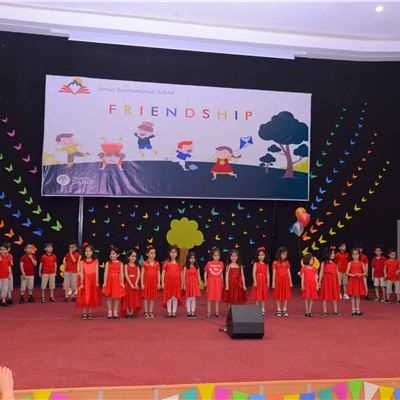 Soran Hosts Annual KG Concert