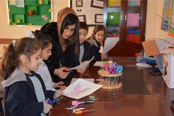 Soran Students Decorate the School